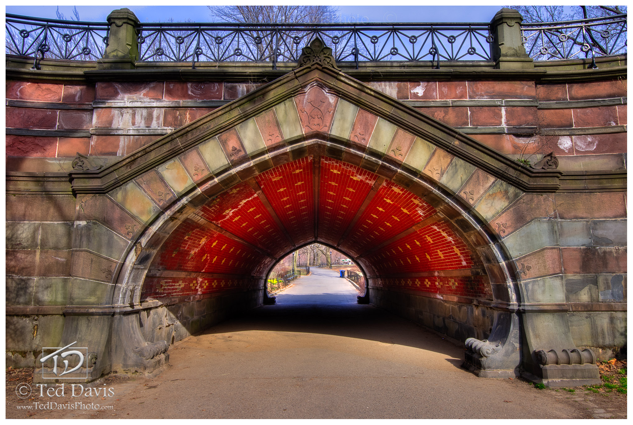 New York, Central Park, boat pond, tile, archway, photo