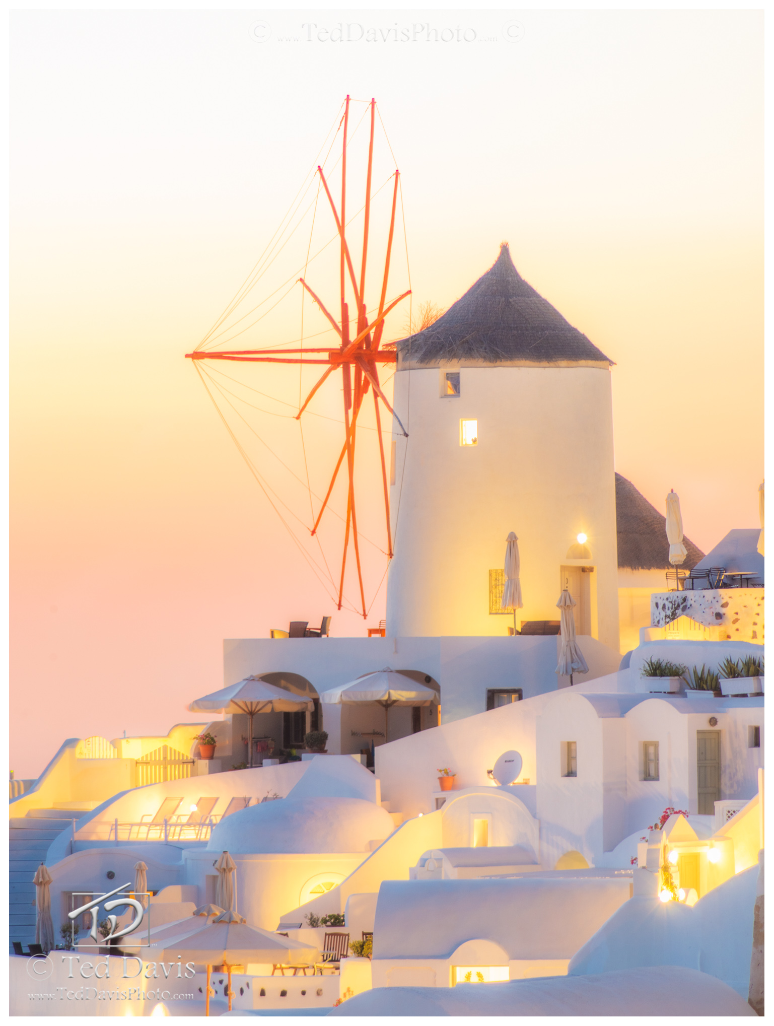 oia, santorini, greece, golden, hour, glow, sky, magical, warm, windmills, brooklyn, dreams, dreamt, dreaming, sofest, loveliest, sunset, radiant, village, dream, photo