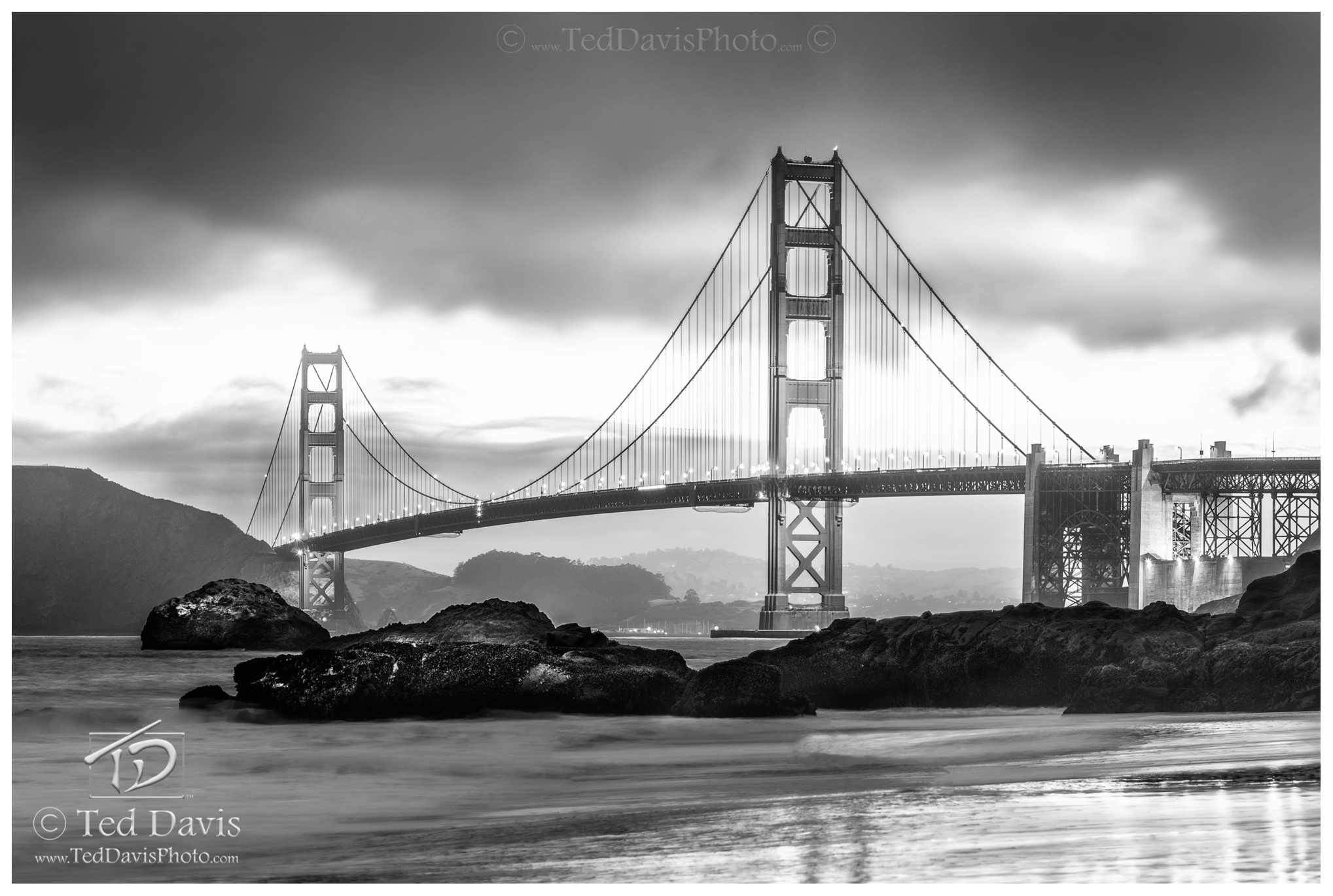 photograph, art, landscape, travel, sunrise, sunset, water, ocean, bridge, sanfran, francisco, golden, gate, black, white, fog, photo
