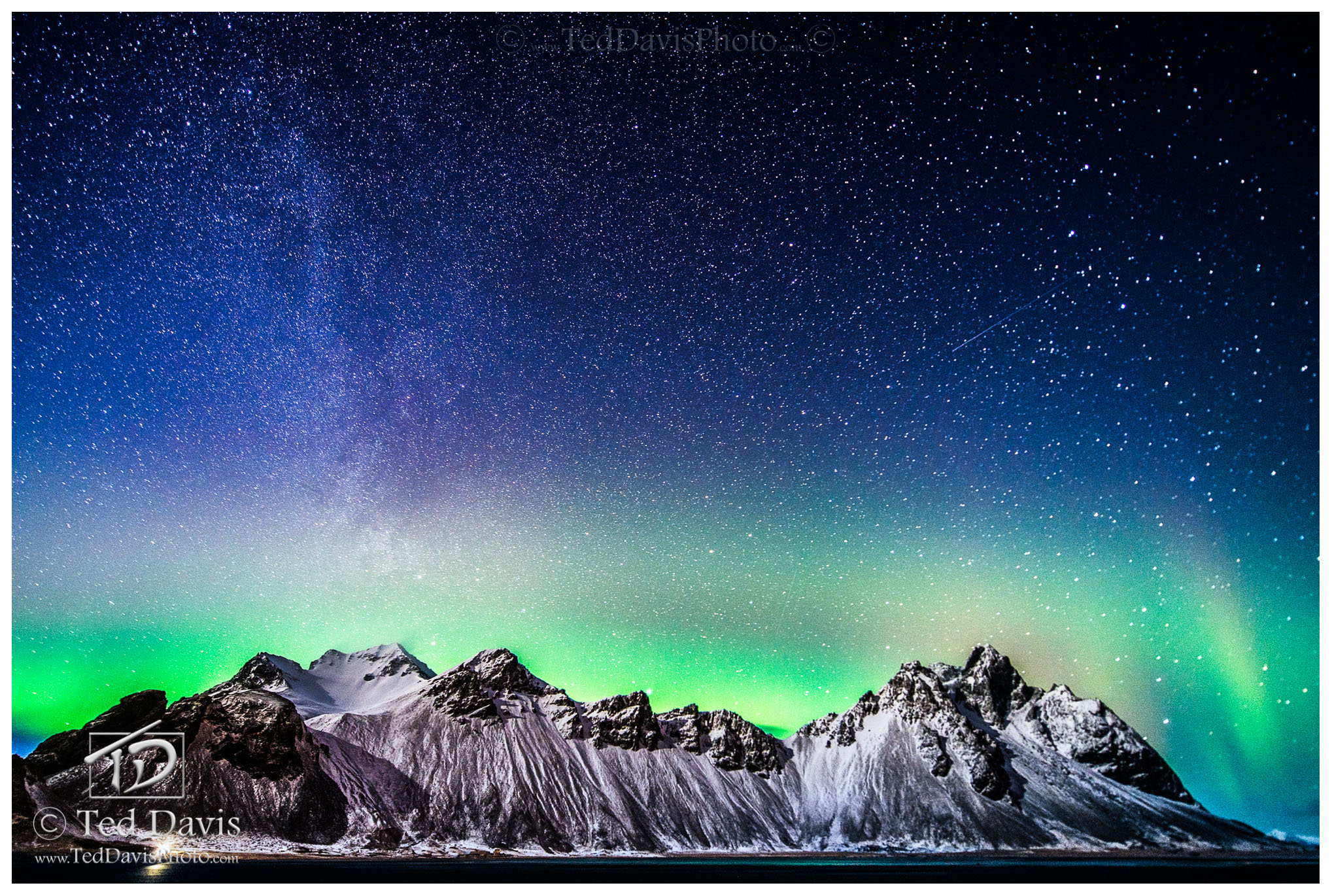 Iceland, Vesturhorn, northern lights, aurora, mountain, tidal, glow, milky way, photo